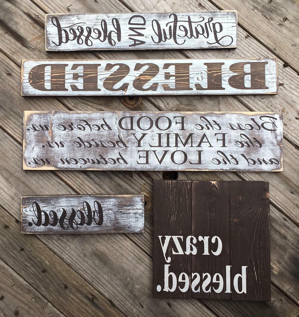 Family wooden sign. gifts under home White oracal