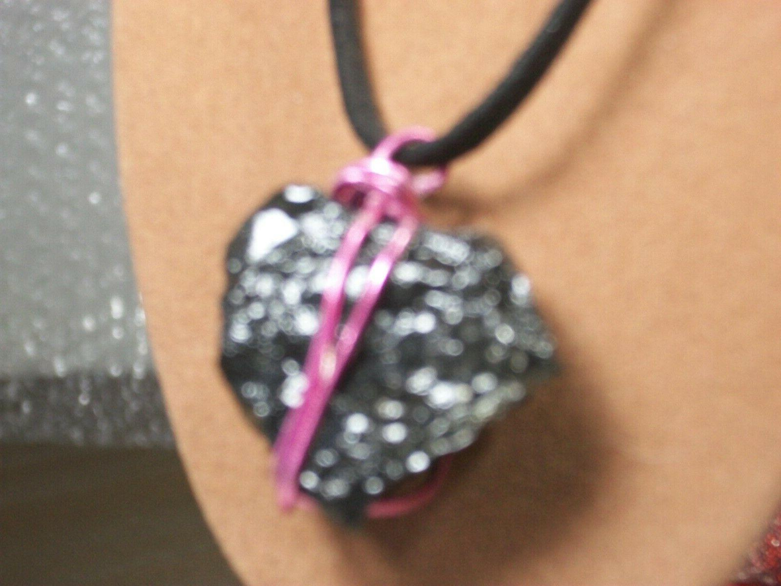 Pink Wire wrapped under Lump Christmas
